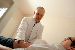 zrelim-zhopu-foto-seksa-s-ginekologom-izvrashentsem-uboltat-telku