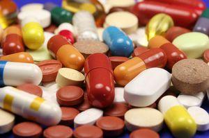 Снизить уровень билирубина можно медикаментозным методом